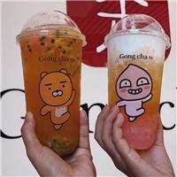 KAKAO FRIENDS聯名飲料登場,還有獨家超萌「提袋」和「杯墊」