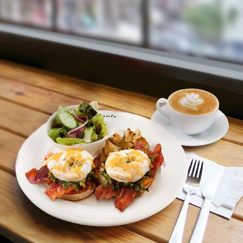 丹堤咖啡,菠菜培根班尼迪克蛋,陪伴你度過美好的一天